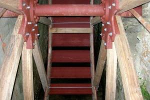 Restauration d'une grande roue à godets en chêne et en acier - Montage 14