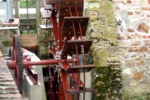 Conception, fabrication et installation d'une nouvelle roue et de son mécanisme pour la production d'électricité - La roue tourne 13