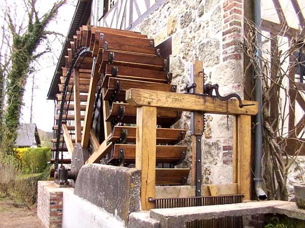 moulins et patrimoine restauration d 39 une grande roue de poitrine en normandie 14. Black Bedroom Furniture Sets. Home Design Ideas