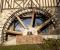 Restauration d'une grande roue de poitrine en Normandie - Montage des coyaux 4